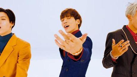 SHINee hoa 'chang trai nam ay' trong MV moi - Anh 2