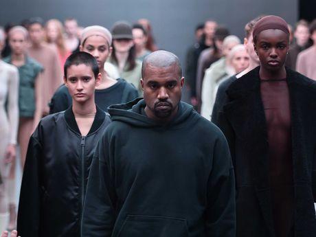 Tai nang, giau co va yeu vo hon tat ca - Kanye West moi la 'soai ca' dich thuc cua showbiz - Anh 3