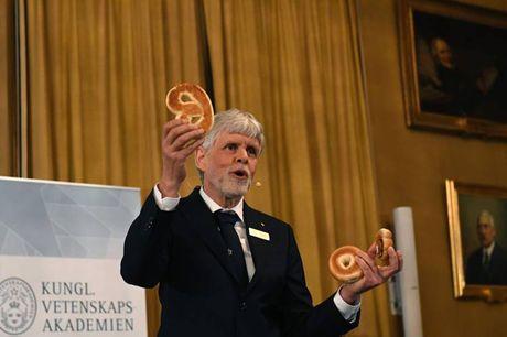 Truong dai hoc cua giao su nhan giai Nobel Vat ly 2016 - Anh 1