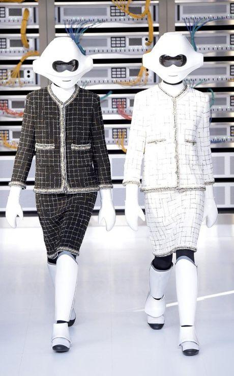 Chanel bien san dien thanh trung tam IT cung dan mau robot - Anh 2