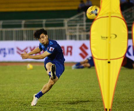 Cong Phuong tap da phat truoc tran gap Trieu Tien - Anh 1