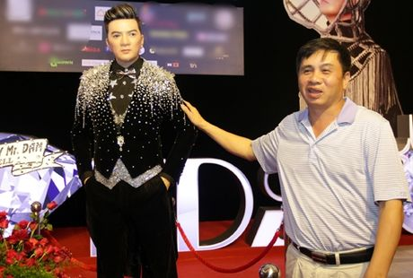 Ca si Dam Vinh Hung gay sot voi 'tuong sap Mr Dam' - Anh 7