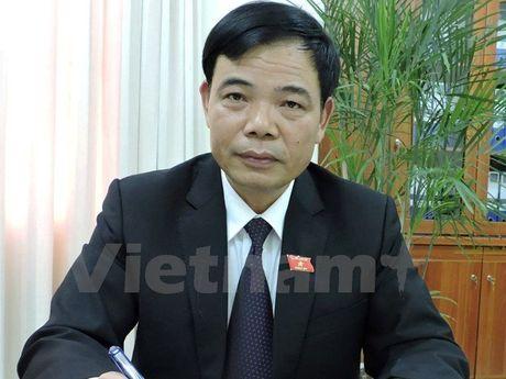 Bi Chu tich QH phe binh, Bo truong Nong nghiep voi den hop - Anh 2