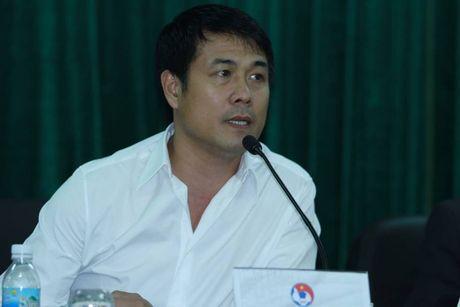 HLV Huu Thang gay soc voi 'bau vat' cua bau Duc - Anh 1