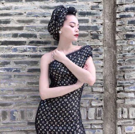 Phuc sat dat tai bien khan thanh vay ao cua sao Viet - Anh 3