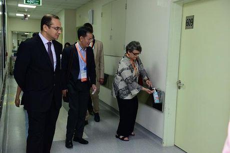 Ba Paula Wilson - Tong giam doc To chuc JCI: Benh vien FV rat dung cam! - Anh 2
