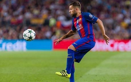 Top 10 cau thu huong luong cao nhat Barca: Messi va phan con lai - Anh 3