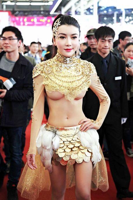 Choang vang voi 3 ba chi dau nong bong cua 'Vo Tong' - Anh 8