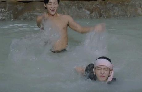 'Nong mat' vi canh nude day dac trong phim dang hot nhat Han - Anh 5