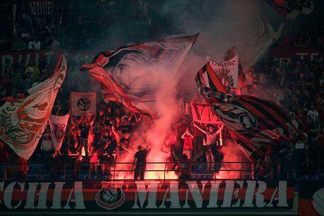 10 giai dau co luong khan gia den san trung binh cao nhat: Bundesliga vo doi - Anh 6