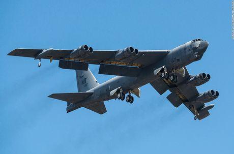 Chiem nguong may bay nem bom B-52H 'moi nhat' cua My - Anh 4