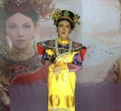 Tuong sap cua Ton Le qua xau khien fan soc nang - Anh 3