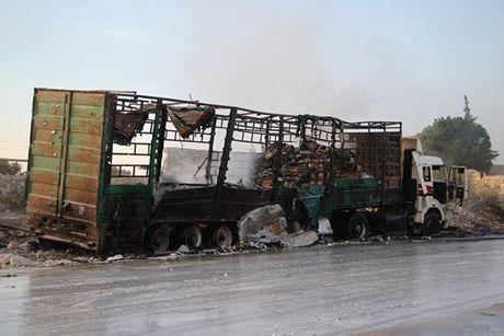 Vu 'khong kich' doan xe LHQ o Aleppo: Man kich dan dung? - Anh 1