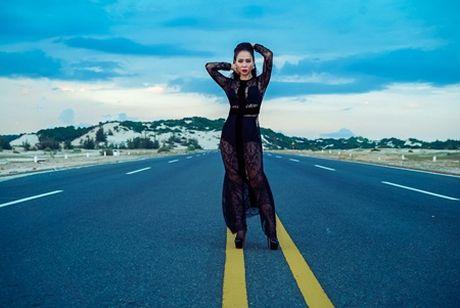 """Thu Minh chinh thuc cho ra mat MV """"dam mau"""" Goodbye - Anh 6"""