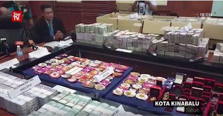 Malaysia rung dong vi vu tham nhung 37 trieu USD - Anh 1