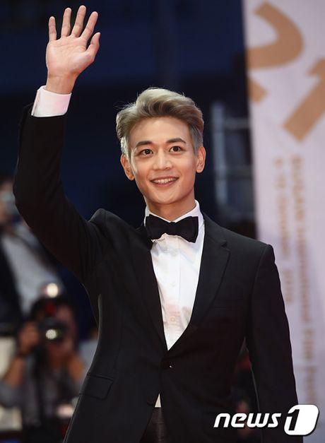 Isaac xuat hien cung dan sao Han tren tham do LHP Busan - Anh 9