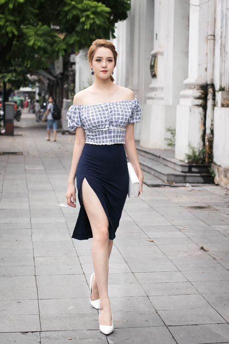 "Hoa hau Viet lan dau tiet lo bi quyet so huu ""vong eo con kien"" - Anh 4"