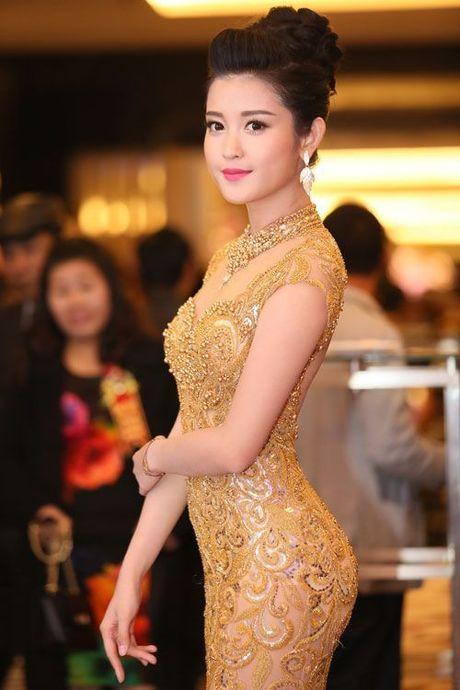 "Hoa hau Viet lan dau tiet lo bi quyet so huu ""vong eo con kien"" - Anh 8"