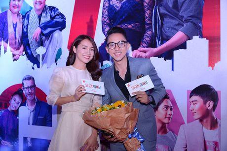 Nha Phuong den ung ho phim cua 'chang Lo' - Anh 2
