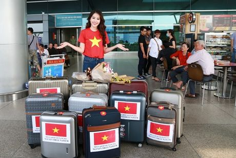 Nam Em mang theo 150kg hanh ly den Philippines thi Miss Earth - Anh 4
