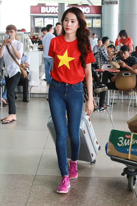 Nam Em mang theo 150kg hanh ly den Philippines thi Miss Earth - Anh 6