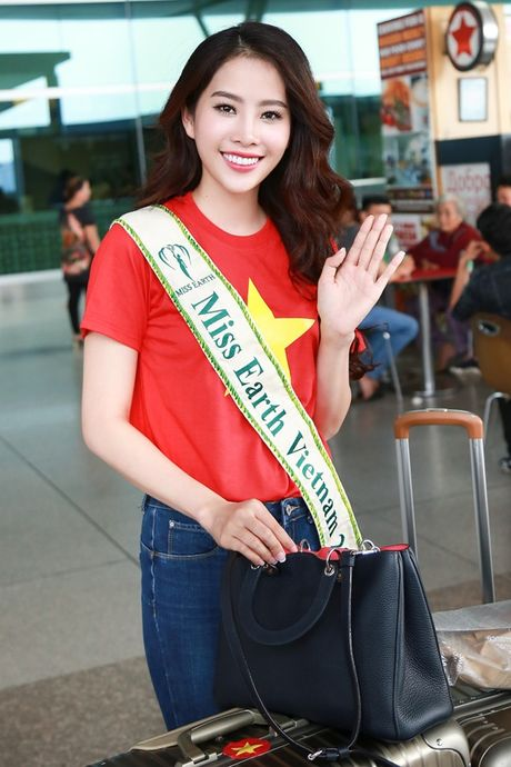 Nam Em mang theo 150kg hanh ly den Philippines thi Miss Earth - Anh 8