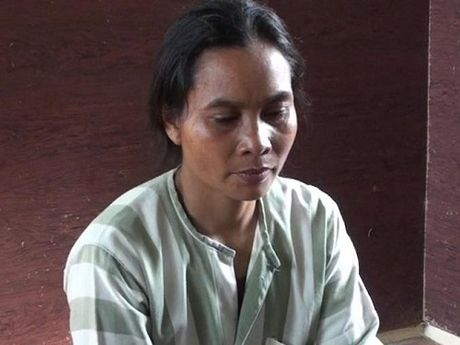 Khoi to chi hoi truong phu nu vi lua dao chiem doat 7 ty - Anh 1