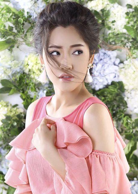 Chuyen hiem showbiz: Nu dien vien hai dep long lay nhu hot girl - Anh 2