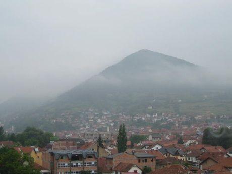 Phat hien chum nang luong bi an tai dai kim tu thap o Bosnia - Anh 3