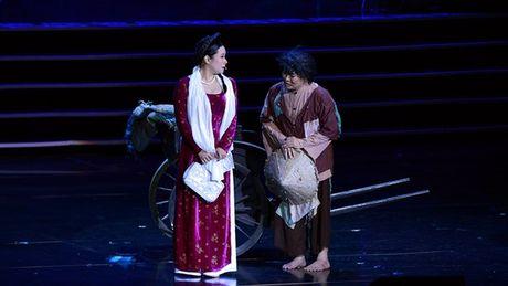 Xuan Hinh choc khan gia cuoi 'can hoi' trong liveshow 10 ti - Anh 2