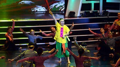 Xuan Hinh choc khan gia cuoi 'can hoi' trong liveshow 10 ti - Anh 3