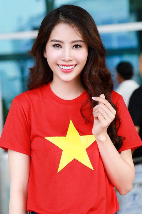 Nam Em mang 150kg hanh ly den 'Hoa hau Trai dat 2016' - Anh 2