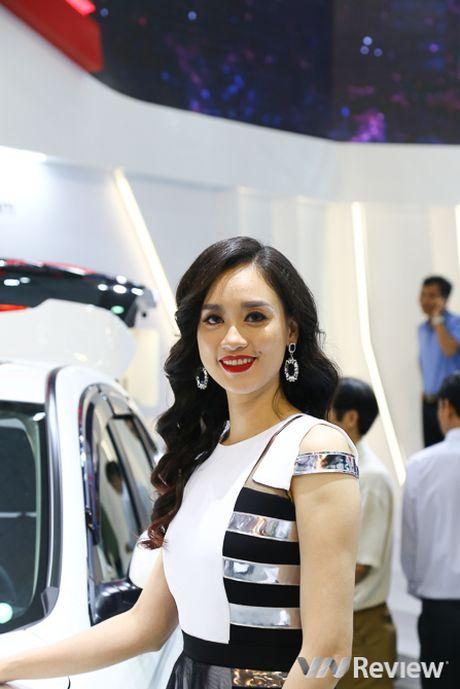 "Mau ""Tay"" tran ngap trien lam Vietnam Motor Show 2016 - Anh 24"
