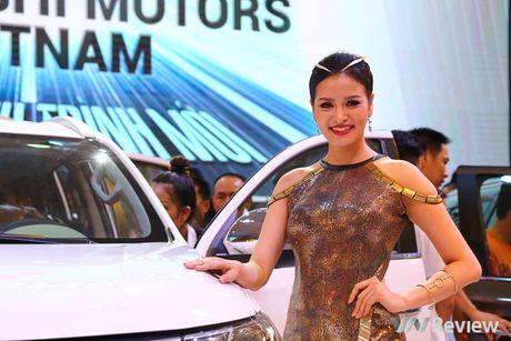 "Mau ""Tay"" tran ngap trien lam Vietnam Motor Show 2016 - Anh 27"