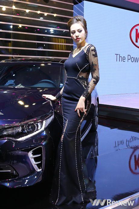 "Mau ""Tay"" tran ngap trien lam Vietnam Motor Show 2016 - Anh 32"