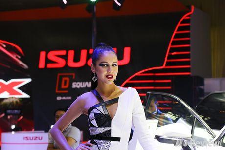 "Mau ""Tay"" tran ngap trien lam Vietnam Motor Show 2016 - Anh 5"