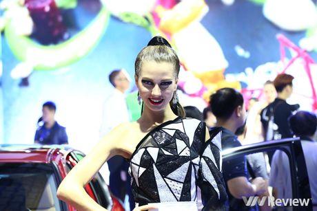 "Mau ""Tay"" tran ngap trien lam Vietnam Motor Show 2016 - Anh 6"