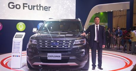 Can canh Ford Explorer gia 2,18 ty dong moi ve Viet Nam - Anh 1