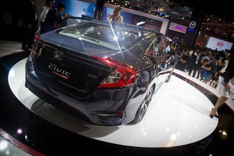 Lot top 'xe e', Honda moi chiu 'tung' Civic phien ban moi - Anh 5