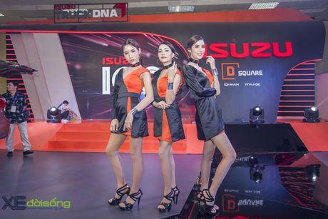Nguoi dep chuyen gioi 'hang doc' tai Vietnam Motor Show 2016 - Anh 1