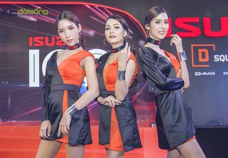 Nguoi dep chuyen gioi 'hang doc' tai Vietnam Motor Show 2016 - Anh 2