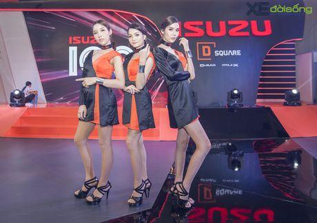 Nguoi dep chuyen gioi 'hang doc' tai Vietnam Motor Show 2016 - Anh 3