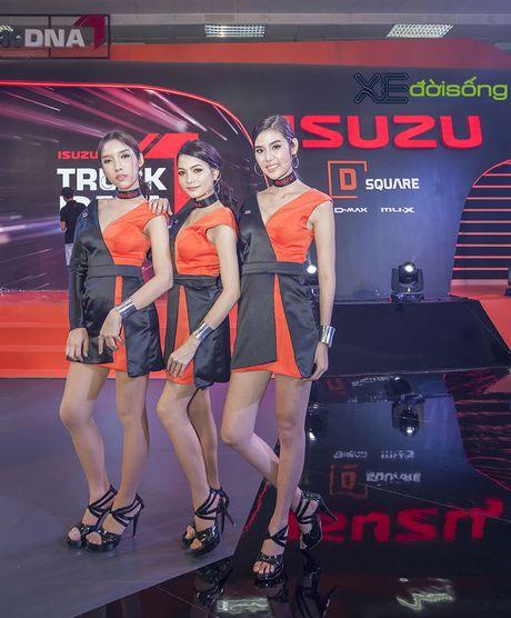 Nguoi dep chuyen gioi 'hang doc' tai Vietnam Motor Show 2016 - Anh 4