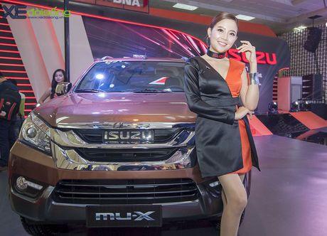 Nguoi dep chuyen gioi 'hang doc' tai Vietnam Motor Show 2016 - Anh 5