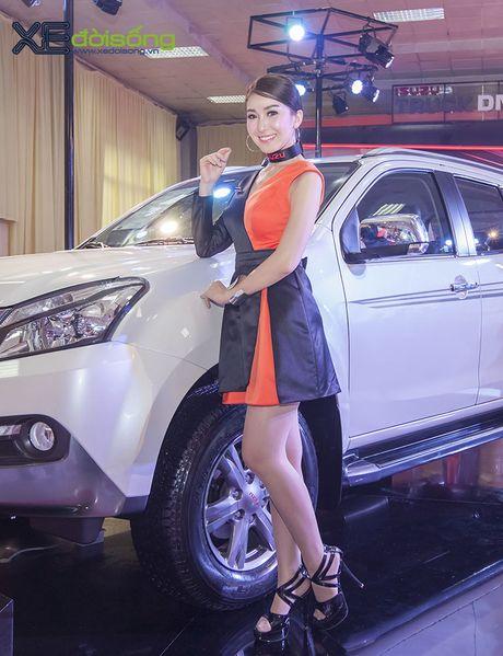 Nguoi dep chuyen gioi 'hang doc' tai Vietnam Motor Show 2016 - Anh 7