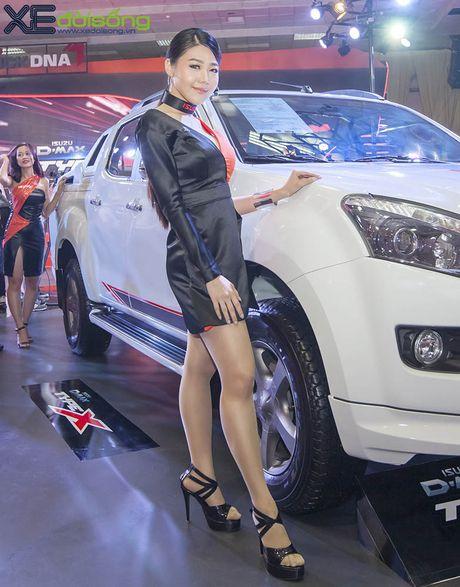 Nguoi dep chuyen gioi 'hang doc' tai Vietnam Motor Show 2016 - Anh 9