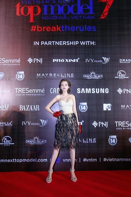 Xu huong tre vai, xe dui,…can quet tham do chung ket Vietnam's Next Top Model 2016 - Anh 7