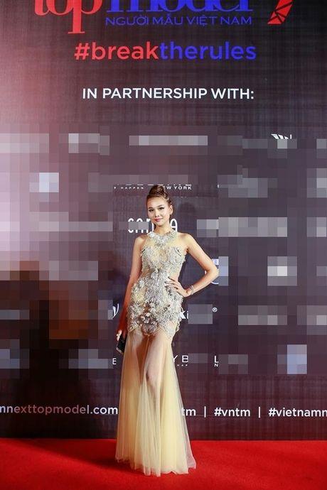 Xu huong tre vai, xe dui,…can quet tham do chung ket Vietnam's Next Top Model 2016 - Anh 8