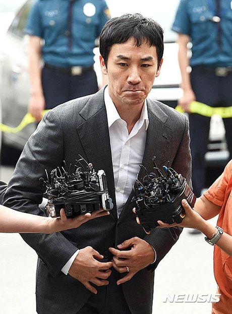 Tai tu Uhm Tae Woong bi dieu tra toi mua dam luc vo bung mang da chua - Anh 4