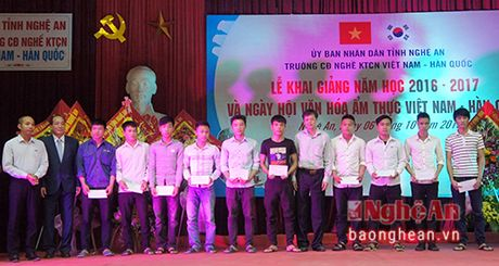 Truong Cao dang nghe Viet - Han khai giang nam hoc moi - Anh 2